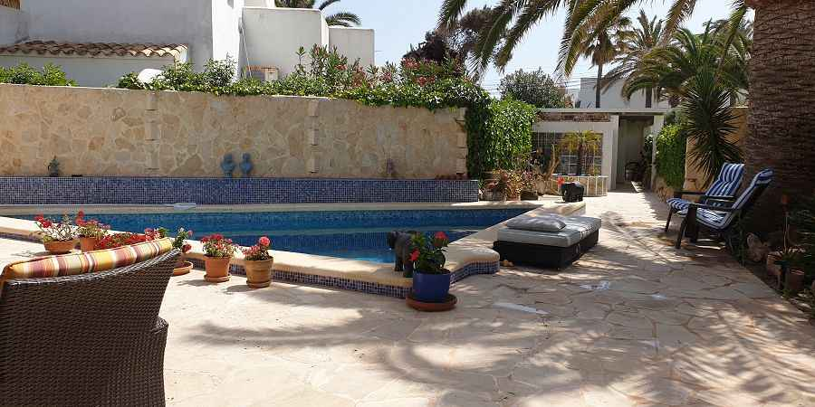Cosy Villa in Cala Egos opposite direct sea access in second line with pool and seperate apartment