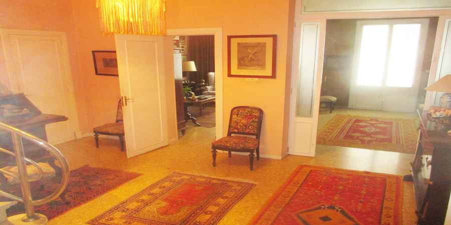 Historic three story townhouse in Felanitx center for sale