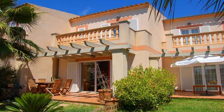 Charming four bedroom townhouse in Porto Colom, Felanitx For Sale