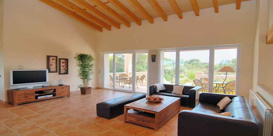 Villa with pool in Porto Petro with great views