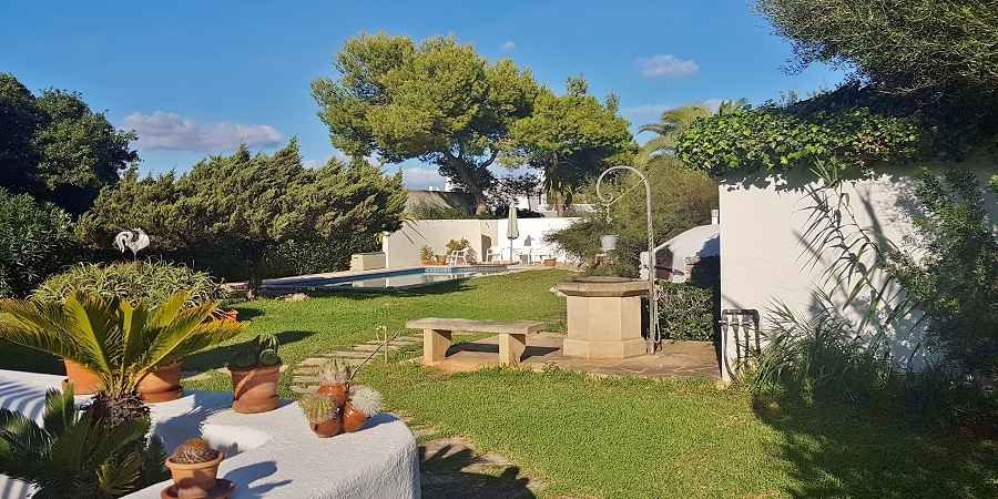 Lovely three bedroom house by the beach in Cala d'or for sale