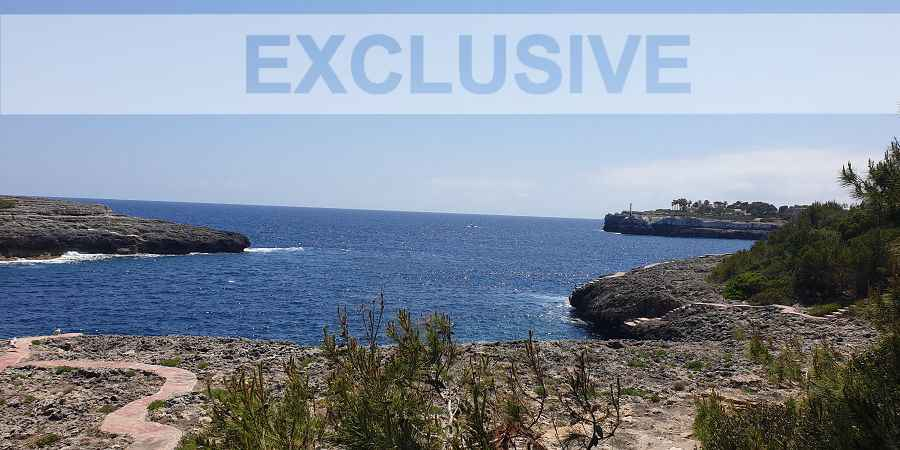 Executive exclusive seafront villa in Portopetro with sea access and mooring