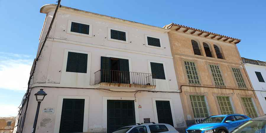 Two 19th century townhouses to renovate in Felanitx, Mallorca
